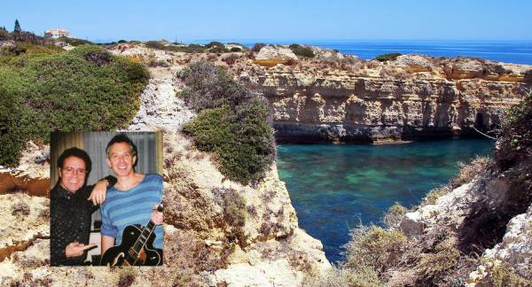 source Genreith/Web CliffRichard estate at Albufeira coast